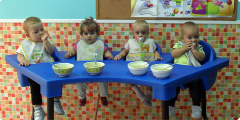 Escuela infantil las marinas servicio de comedor for Comedor infantil